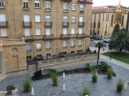 Hotel Maria Cristina, a Luxury Collection Hotel, San Sebastian: View from room 227