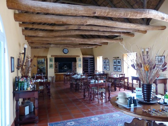 Galenia Estate: Dining Area with two fireplaces