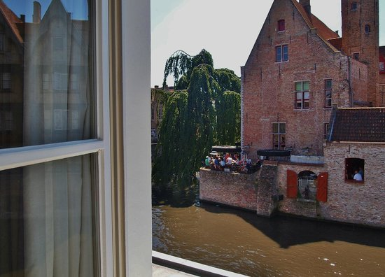 Duc de Bourgogne: View from Room #4