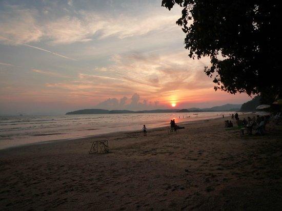 Aonang Villa Resort: サンセット