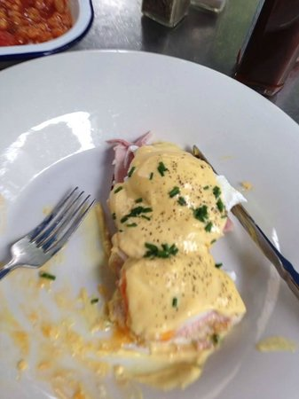 Boston Tea Party: Eggs Benedict
