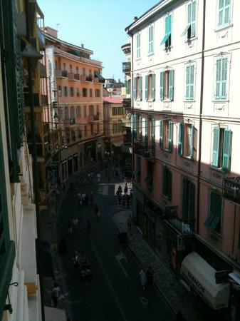Hotel Globo & Suite Sanremo: La vista dalla camera