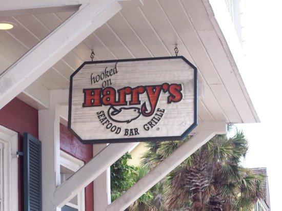 Harry's Seafood Bar and Grille : Harry's sign