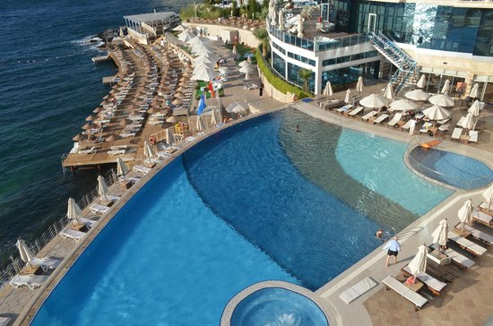 Charisma De Luxe Hotel : View of the pool from our balcony