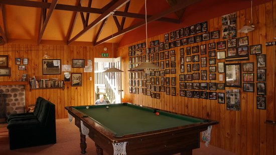 Sportsmans Lodge : Communal living room
