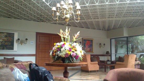 Plaza del Bosque Hotel: Lobby