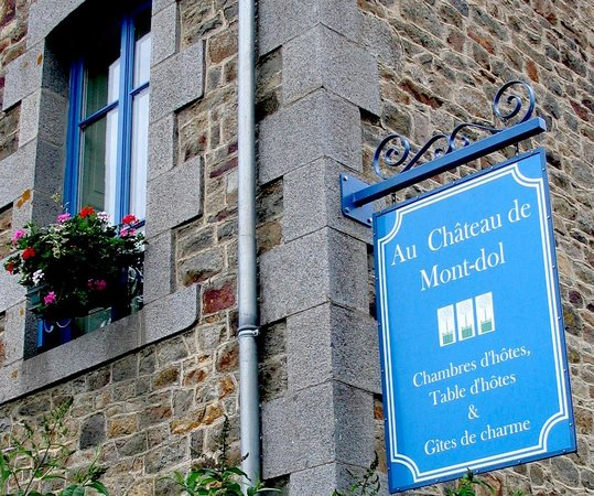 Chateau Mont-Dol : 19th-century renovated farmhouse:  elegant charm