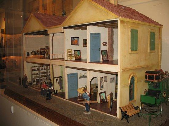 Midwest Miniatures Museum: Miniature Van Gogh House