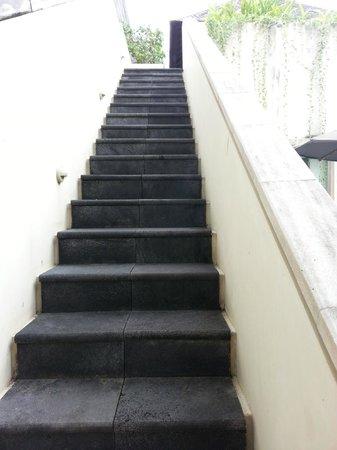 Bali Island Villas & Spa : stairs leading to loft