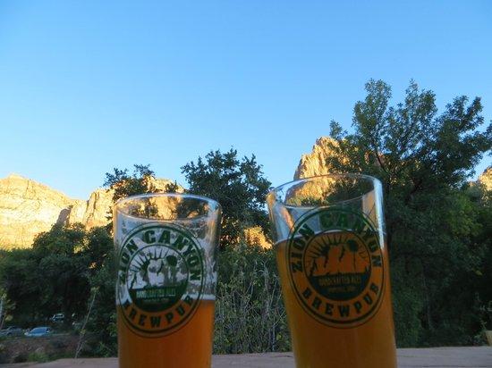 Zion Canyon Brew Pub : Vue de la terrasse