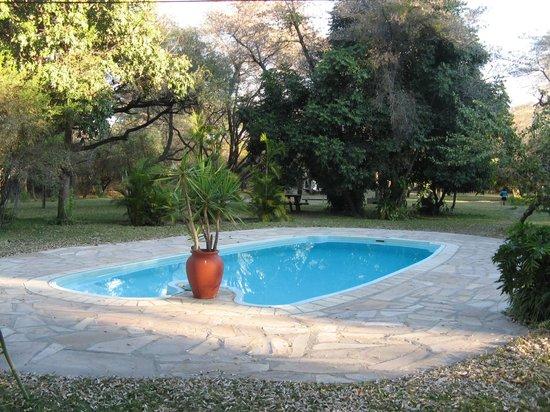 n'Kwazi Lodge & Camping Site: Swimming Pool