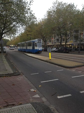 Best Western Plus Hotel Blue Square: Trams running right in front of the hotel