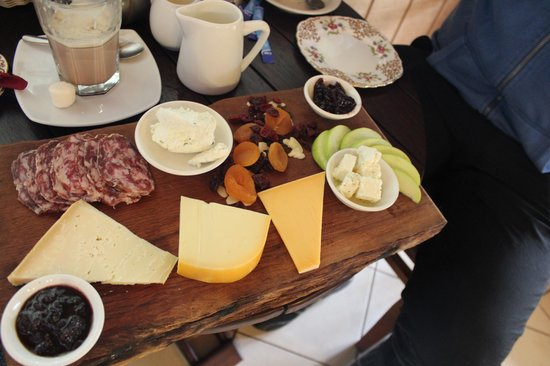 Nannup Hideaway Spa Cottages & Retreats: local cheese farm