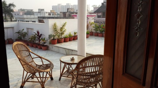 Riya Palace : wonderful terrace attached to our room.