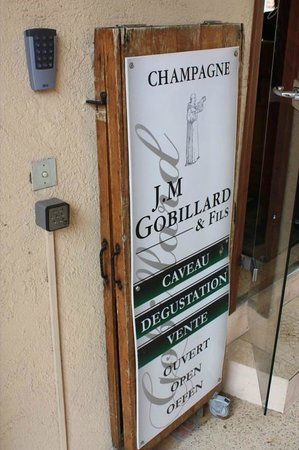 Jean-Marie Gobillard & Fils: Entry sign