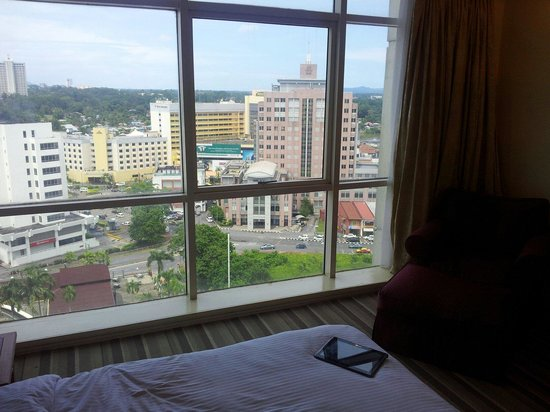 Ariva Gateway Kuching: choose high floor riverview rooms for scenery