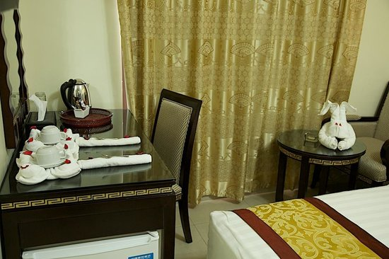 Cedar Hotel : inside the room