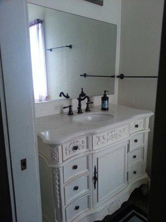Old Historic Creole Inn: Beautiful sink