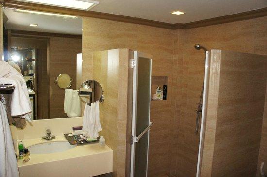 Estacio Uno Lifestyle Resort: Bathroom
