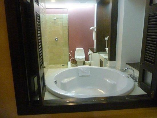 Bodhi Serene Hotel: Bathroom