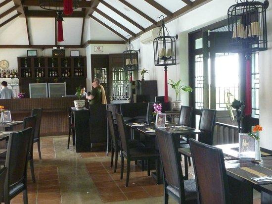 Bodhi Serene Hotel : Poolside Restaurant