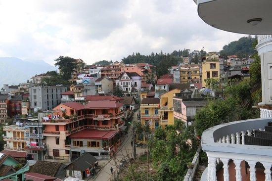 Royal View Hotel: uitzicht kamer 305