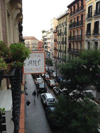 Hostal Art Madrid: Dalla finestra dell'hostal