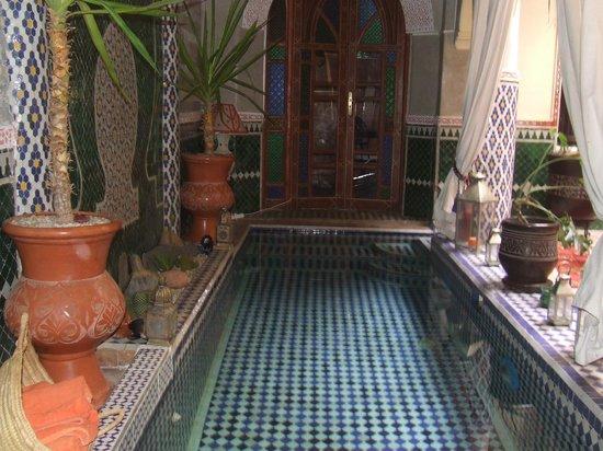 Riad Assalam: piscine