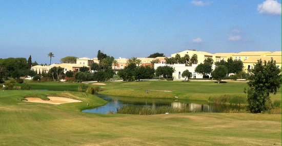 Donnafugata Golf Resort & Spa : Parkland course and hotel