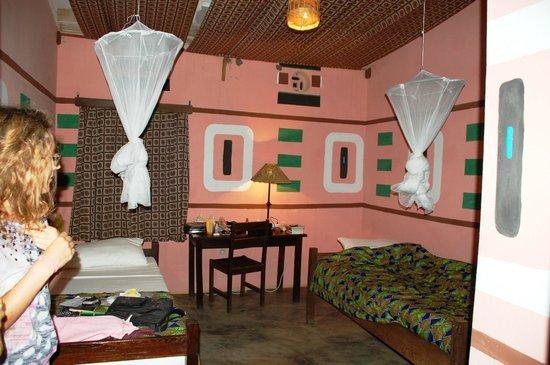 Casa De Hospedes Muzuane: Interno Di Una Camera