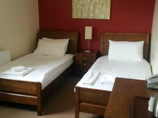 The Strand Lodge: Twin Bedroom