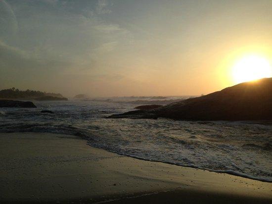Kirinda Beach Resort : Beach