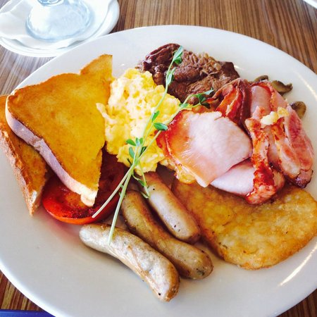 Rockhampton Plaza Hotel International : Big breakfast at The Coffee Club