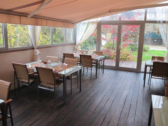 KONFIT restaurant & wine: veranda in autunno