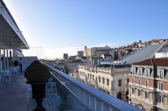 Altis Avenida Hotel: Uitzicht van op het terras van de ontbijtruimte