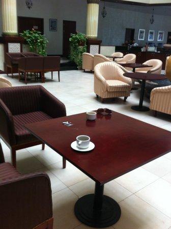 Golden Tulip Khatt Springs Resort & Spa : cigarettes thrown randomly on the table in teh lobby