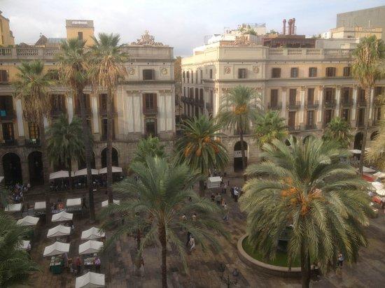 Roma Reial Hotel: Vue depuis la chambre n° 415