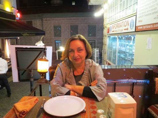 Deja Vu Restaurant : Raluca, preparing herself for 'doner kebab""