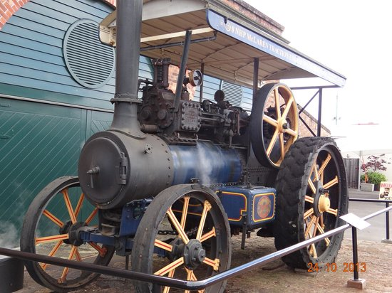 Museum of Transport and Technology : Traction engine