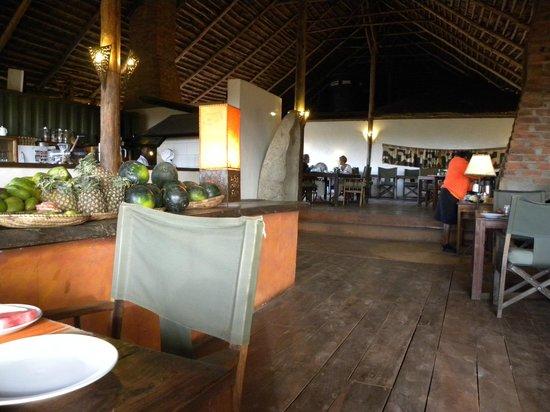 Rhotia Valley Tented Lodge: dining room