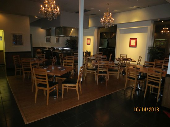 9 on the Plate : traditional dining room