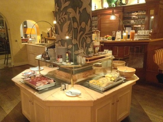 Hotel Garmischer Hof: Breakfast area