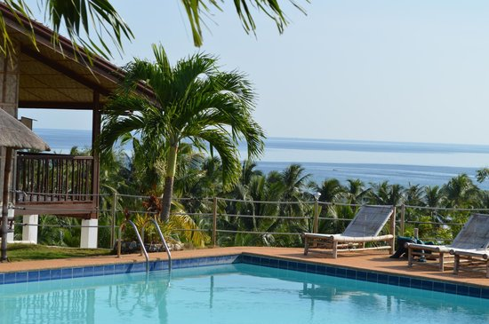 Bodos Bamboo Bar Resort: view on the ocean from the pool