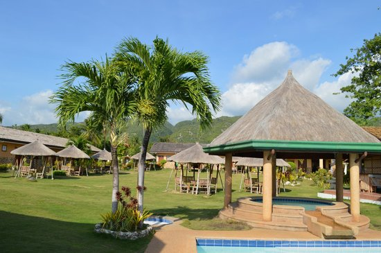 Bodos Bamboo Bar Resort: View on the mountains from the pool