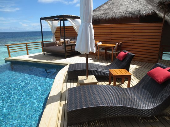 Baros Maldives: Terrace