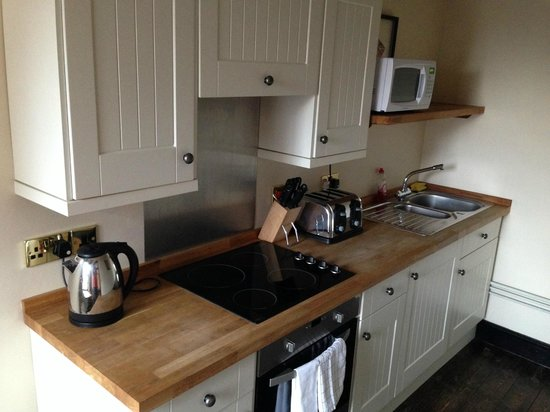 Kings Head Holt B&B: Our kitchenette