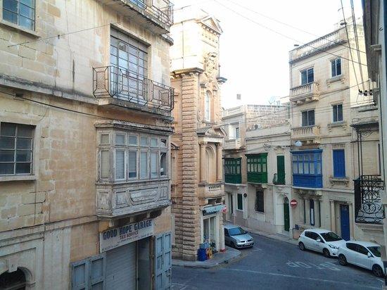 Corner Hostel: вид из окна комнаты