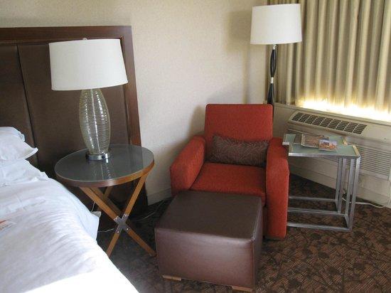 Sheraton Le Centre Montreal Hotel : Zimmer