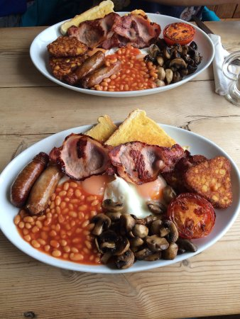 The Beachcomber: The perfect English breakfast!