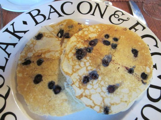 Holidae House B&B: Blueberry pancakes
